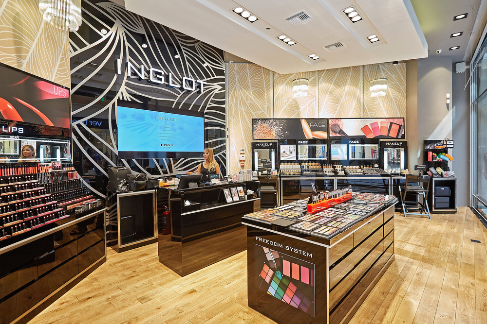 INGLOT AT THE MALL 2.jpg
