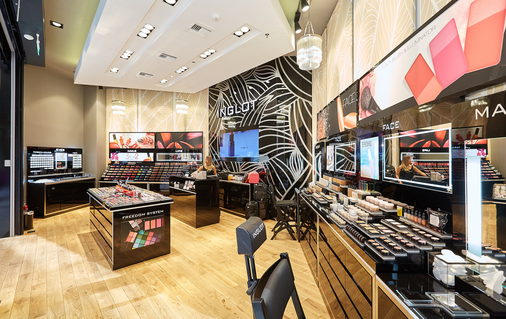 INGLOT AT THE MALL 3.jpg