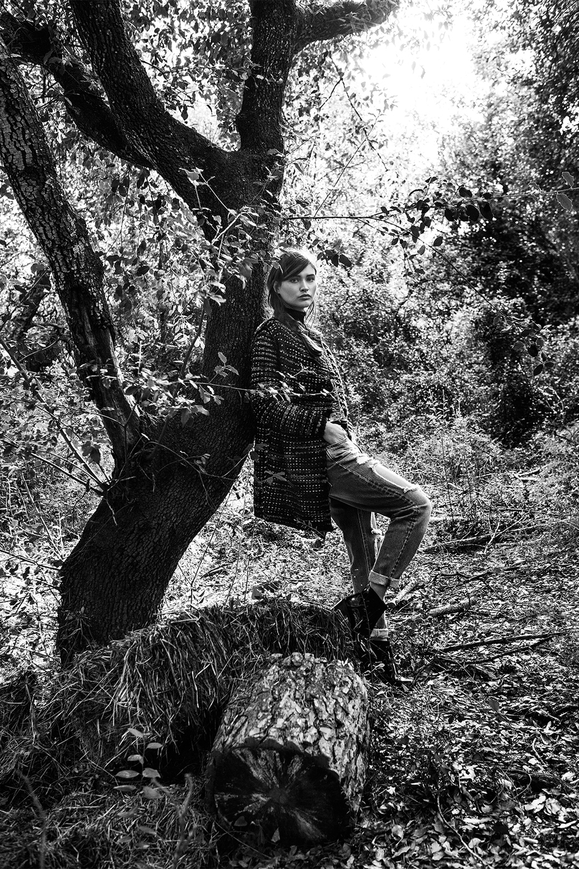 Stradivarius_Chloe_in_the_woods (12).jpg