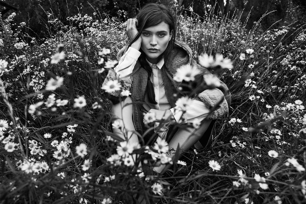Stradivarius_Chloe_in_the_woods (17).jpg