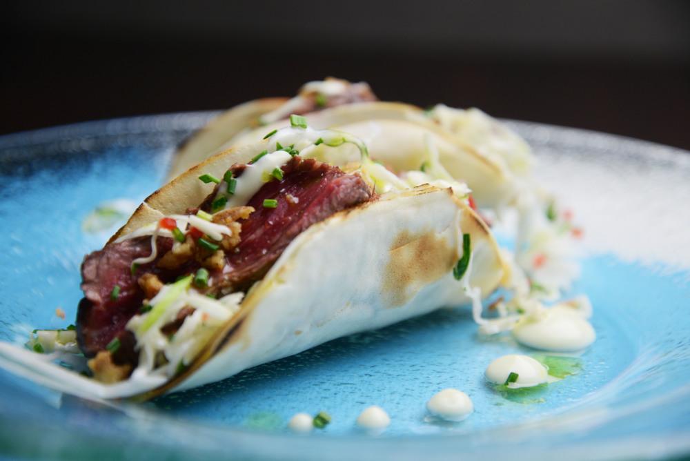 Τacos μοσχαριού με wasabi coleslaw.jpg