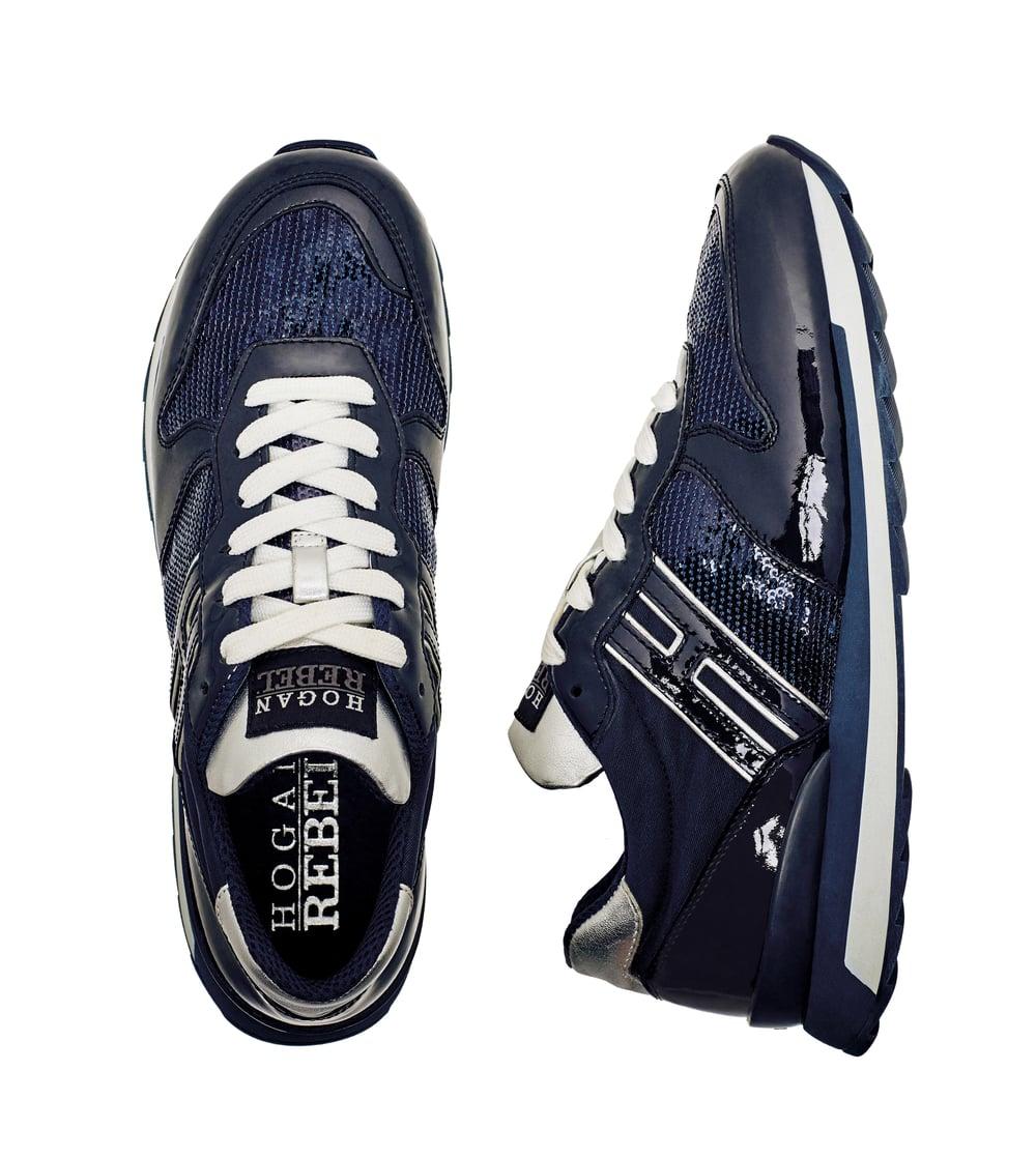 029_Sneakers.jpg