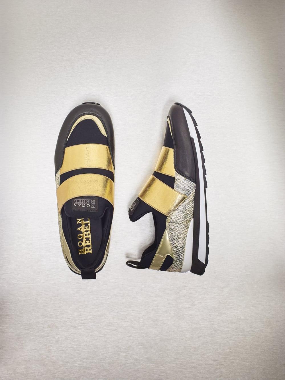 030_1_Sneakers.jpg