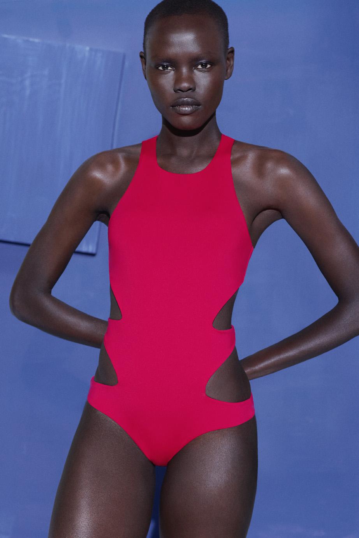 Oysho swimwear colaboracion artista Miren Doiz (23).jpg