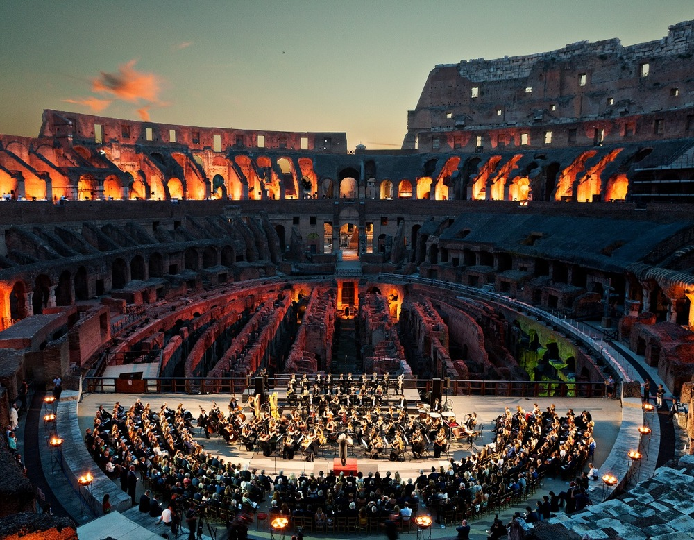 Orchestra_-Colosseum (1280x996).jpg