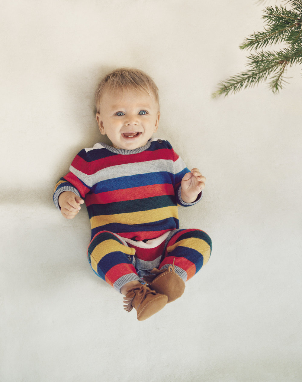 GAP HOLIDAY 2016 COLLECTION_BABY_1.jpg