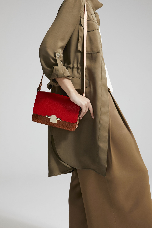 Massimo Dutti_The Iconic Bag (2).jpg