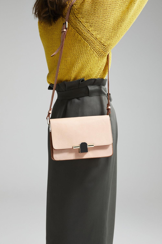 Massimo Dutti_The Iconic Bag (4).jpg