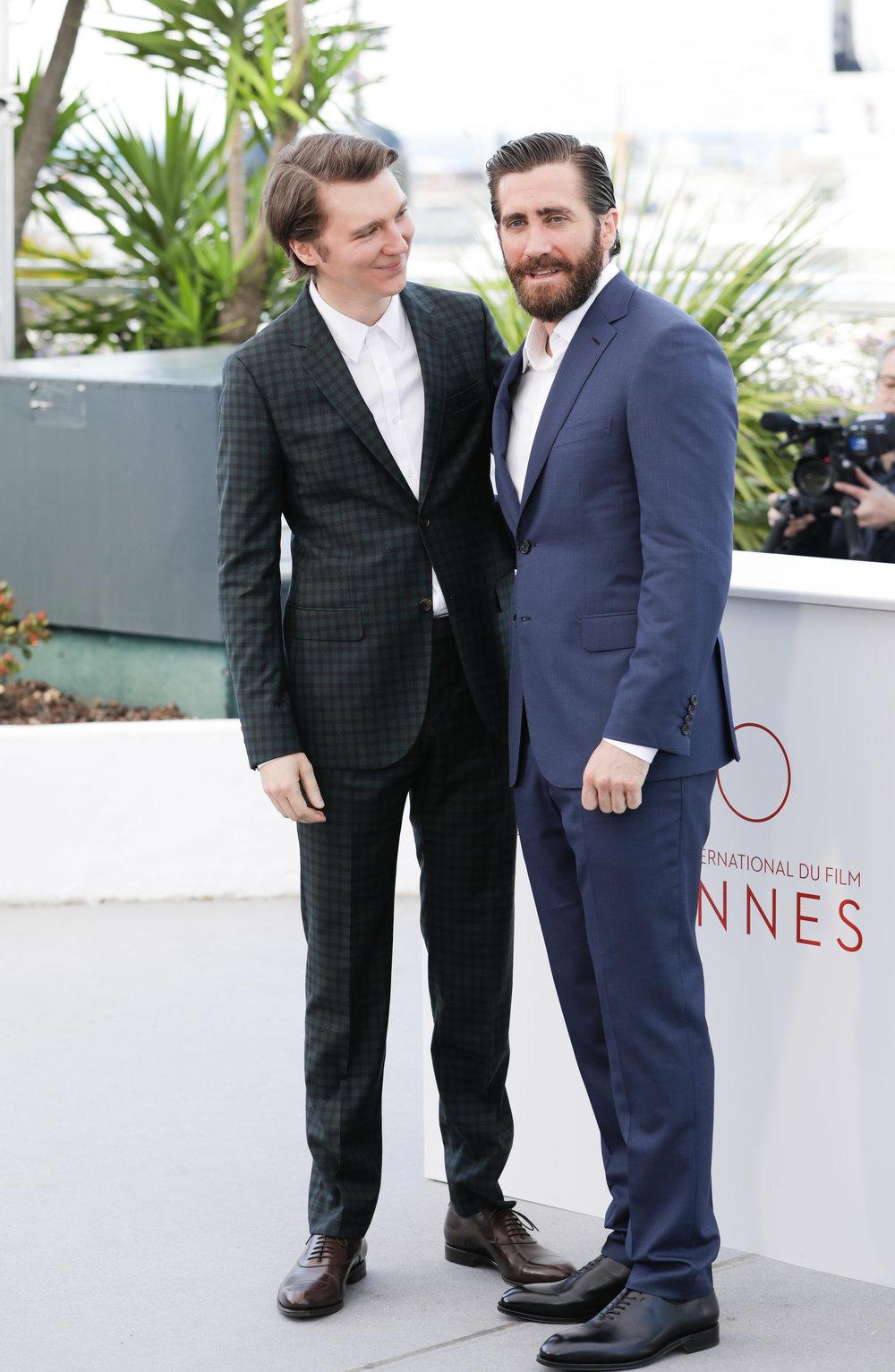 ΟJake Gyllenhaal με μαύρα δερμάτιναlace-up Salvatore Ferragamo  στη συνέντευξη τύπου της ταινίας «Okja». -