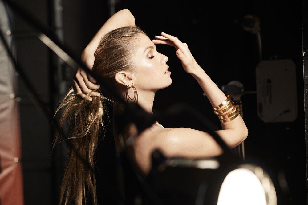 Stella Maxwell for Max Factor Bronzer 2.jpg