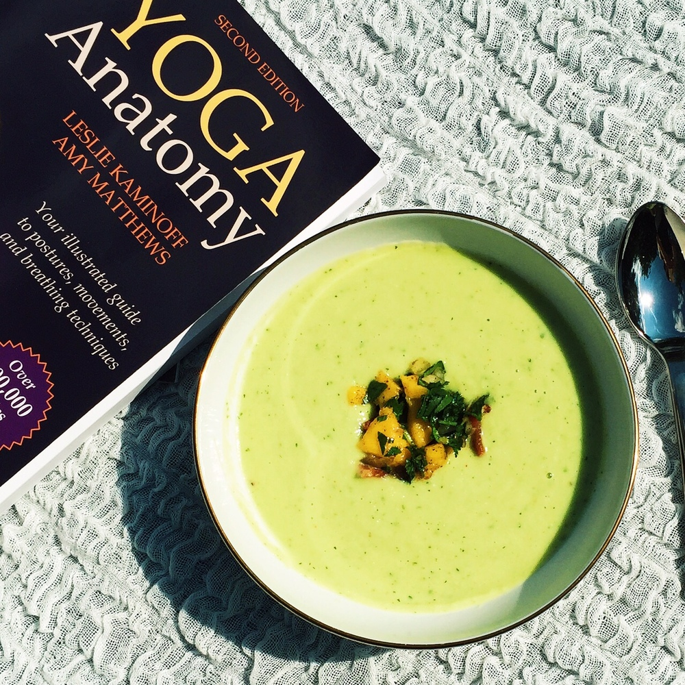 5-Minute Grain-free Chilled Cucumber & Avocado Soup