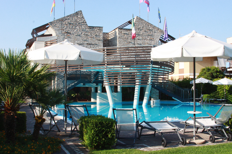 Hotel poseidon for Great small hotels italy