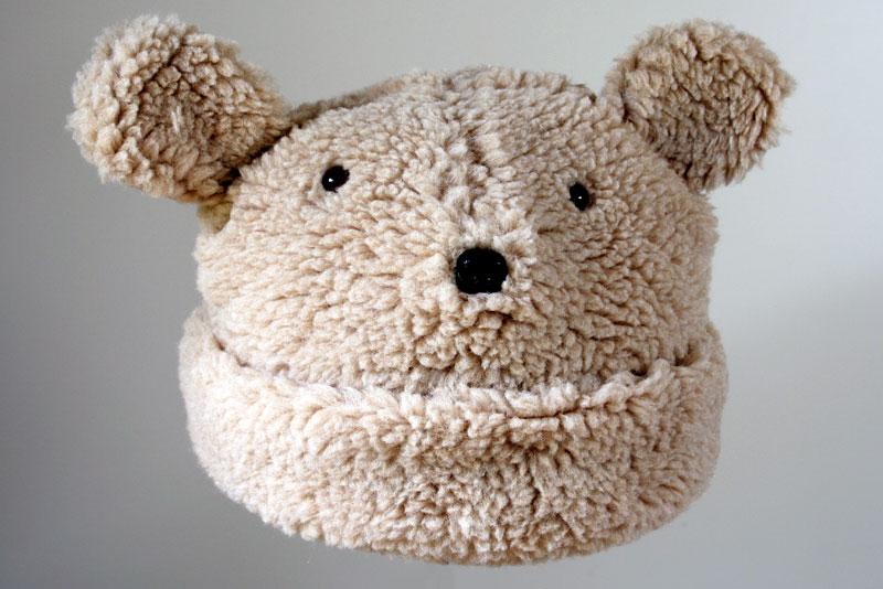 2009-10-19 bear hat