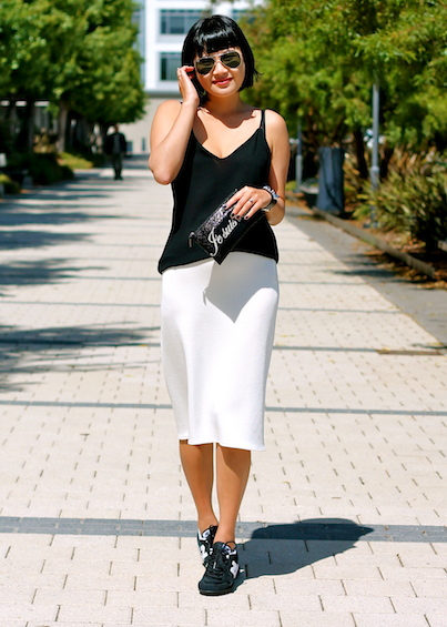 Zara skirt and top, New Balance sneakers, Felix Rey bag, Ray-Ban sunglasses