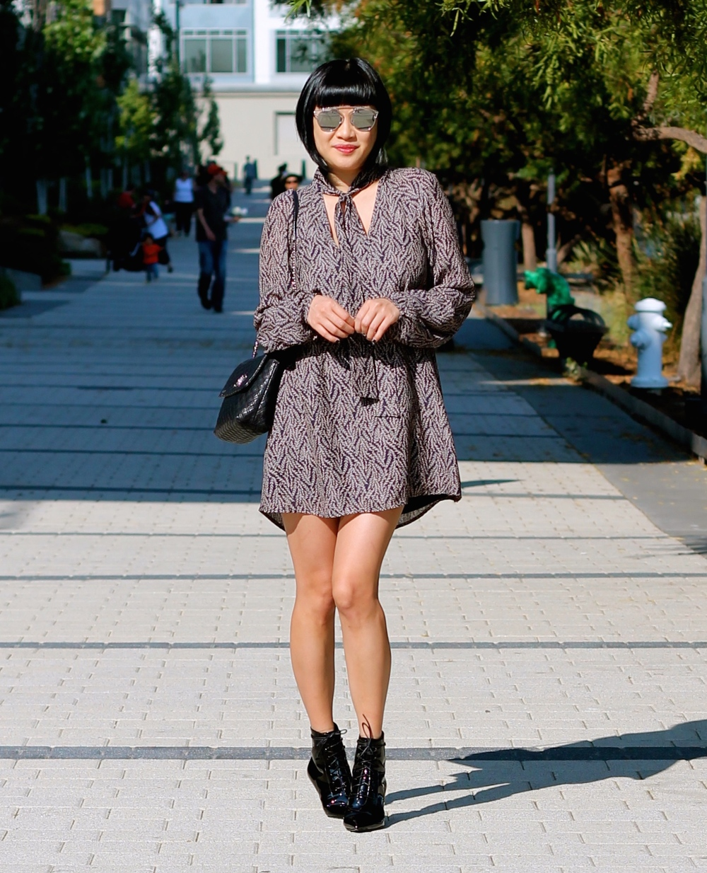 Aritzia dress, Saint Laurent boots, Marc Jacobs bag, Dior sunglasses