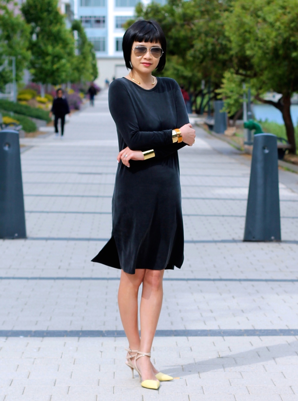 Aritzia dress, Zara shoes, Ray-Ban sunglasses