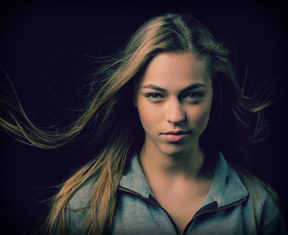 Model - Caroline Kelley