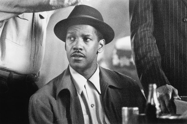 "Denzel Washington in ""Devil in a Blue Dress"""