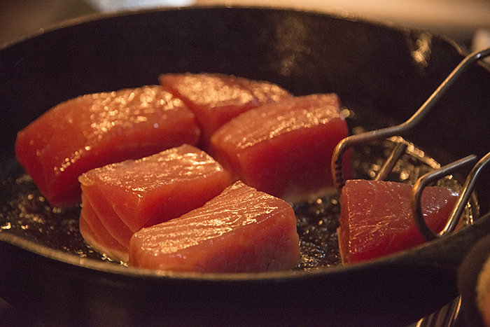Searing the Tuna