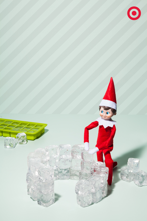 When it's time for a little mid-winter mischief, it's time to take a look in the freezer. Why? Well, Elf On The Shelf has been constructing a quick ice-cube igloo out of just 2 trays of ice cubes.
