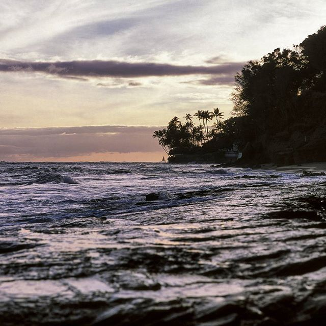 Still missing the beaches of #Honolulu and the #sunset.  #igdaily #instagood #instadaily #filmisnotdead #film #hasselblad #ocean