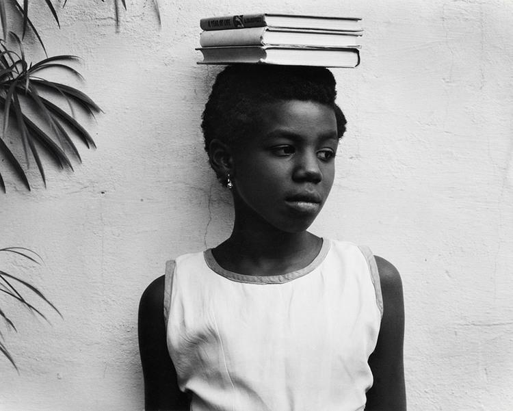 Anna Attinga Frafra, Accra, Ghana, 1964. Tirage gélatino-argentique Collection FUNDACIÓN MAPFRE, FM000976 © Aperture Foundation Inc., Paul Strand Archive
