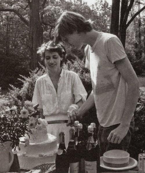 Le gâteau de mariage de Kim Gordon et Thurston Moore