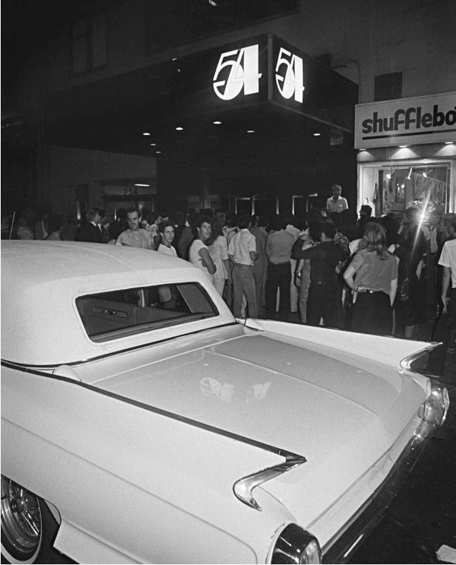 Studio 54 and Cadillac, 1979 (Photo: Bill Bernstein / Reel Art Press).