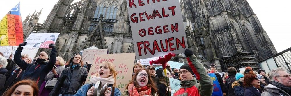 """""""Keine gewalt gegen frauen"""" : pas de violence contre les femmes !"""