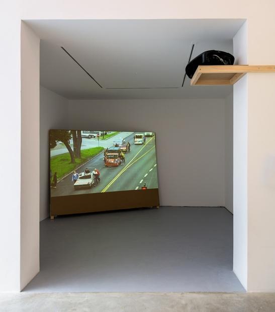 Vue de l'exposition Jordi Colomer, X-Ville, galerie Michel Rein, Paris, 2016   Photographie : Florian Kleinefenn, courtesy de l'artiste et Michel Rein, Paris