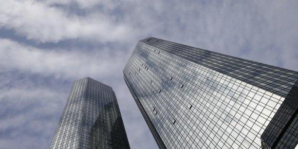 Les difficultés de Deutsche Bank donnent le vertige. Mais de quoi sont-elles le symptôme ? (Crédits : © Kai Pfaffenbach / Reuters)