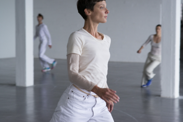rehearsals for Work/Travail/Arbeid at WIELS, Brussels, August 2014 © Anne Van Aerschot