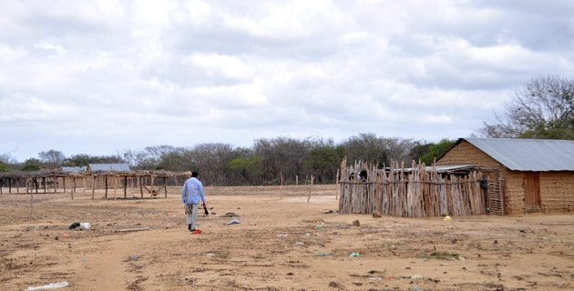 En la comunidad de Meshuamana, cerca a Riohacha, como en las restantes wayuu, la pobreza es total. Photo Ingrid Gamez