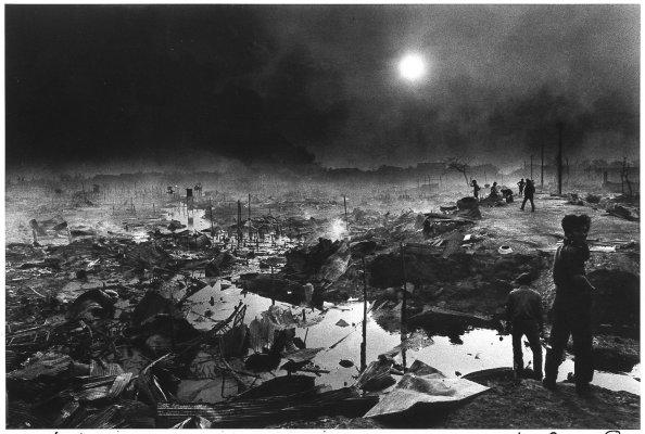 Bombardement de Pnom-Penh 1974