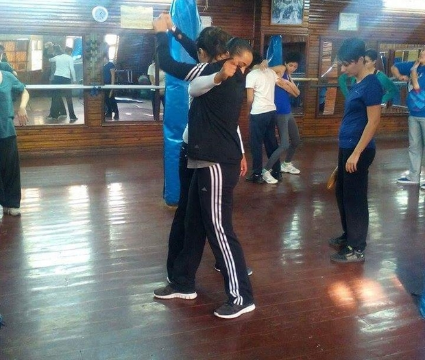 Le cours de self-défense a lieu chaque semaine à Tunis et dure deux heures. Photo association Chouf