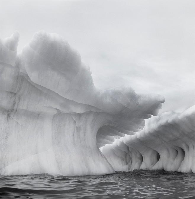 lynn-davis-iceberg-galerie-karsten-greve_large.jpg