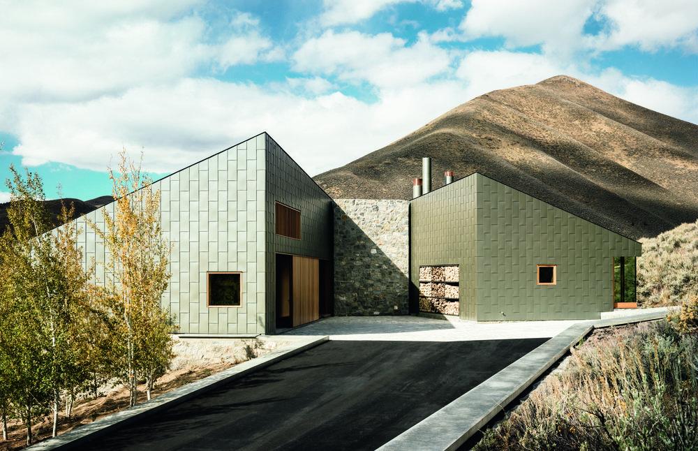 Rick Joy Architects,   Maison de Sun Valley  , 2013, Sun Valley, AZ, USA. credit; Joe Fletcher Photography (page 28)