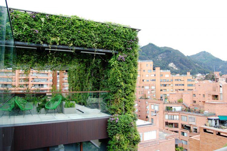 un-immeuble-de-Bogota-est-le-plus-grand-jardin-vertical-du-monde-3.jpg