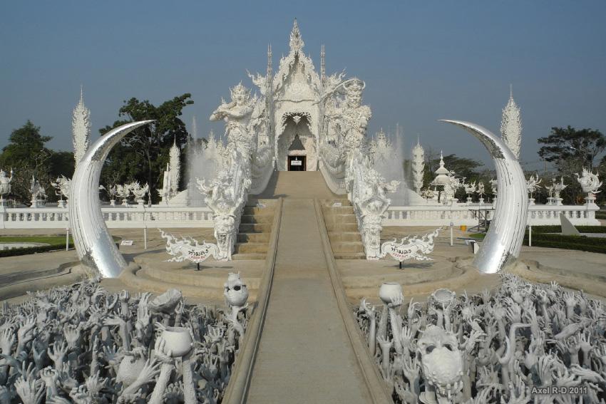 Wat-Rong-Khun-le-temple-blanc-5.jpg