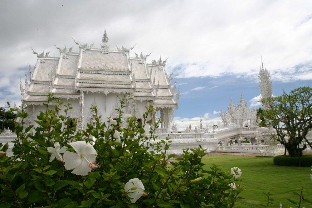 Wat-Rong-Khun-le-temple-blanc-18.jpg