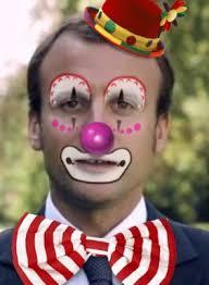 Macron en clown Mac Donald's.