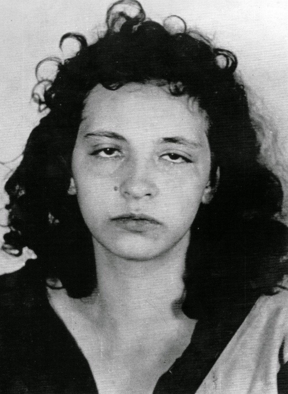 """L'écrivaine Patrícia Galvão, alias Pagu, après son arrestation par la police le 23 janvier 1936 pour appartenance au Parti Communiste du Brésil interdit. Lire notre article  """"Reste pauvre, Bruna, et tais-toi !"""""""
