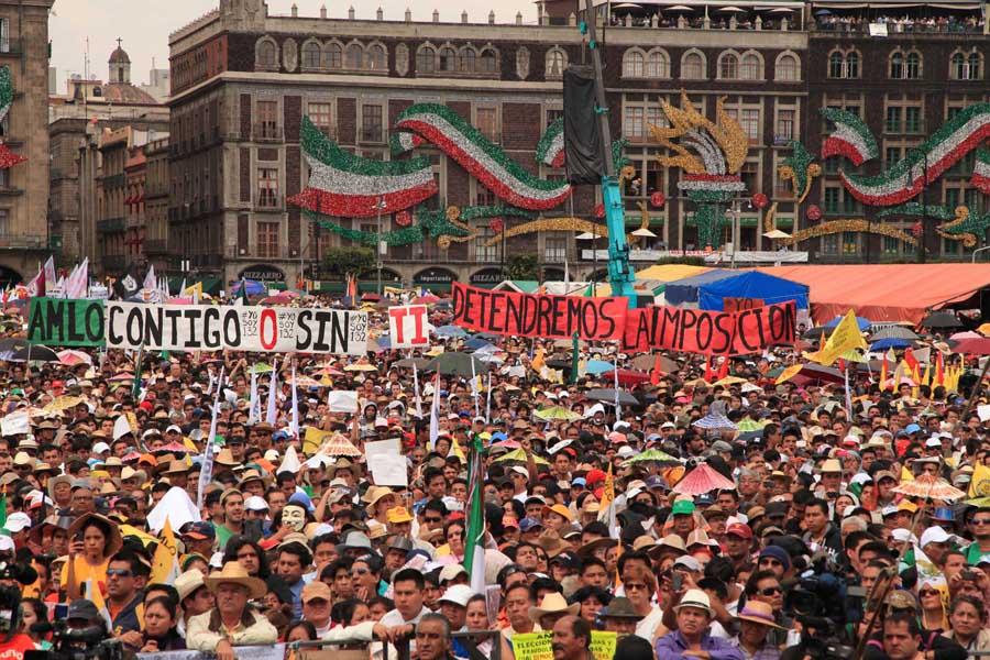 """Mexique : les 100 engagements du président Manuel Lopez Obrador - Mexique   Quelques heures après le discours télévisé d'Emmanuel Macron, dont le """"prooojeeet"""" est loin d'enchanter les français (euphémisme), il est intéressant, par comparaison, de lire les cent engagements devant le peuple du président de gauche mexicain Manuel Lopez Obrador, qui a pris ses fonctions au début du mois après avoir été élu avec 53,2 % des voix. Sachant bien sûr qu'il y a loin des paroles aux actes. Mais les programmes comptent, quand même."""