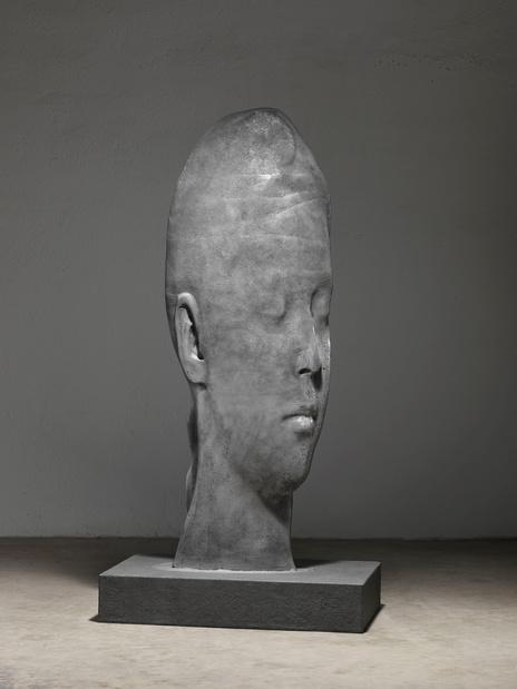 Jaume Plensa,  Sanna , 2017,  (aluminium et base de granit) 220 x 110 x 70 cm © Studio Plensa