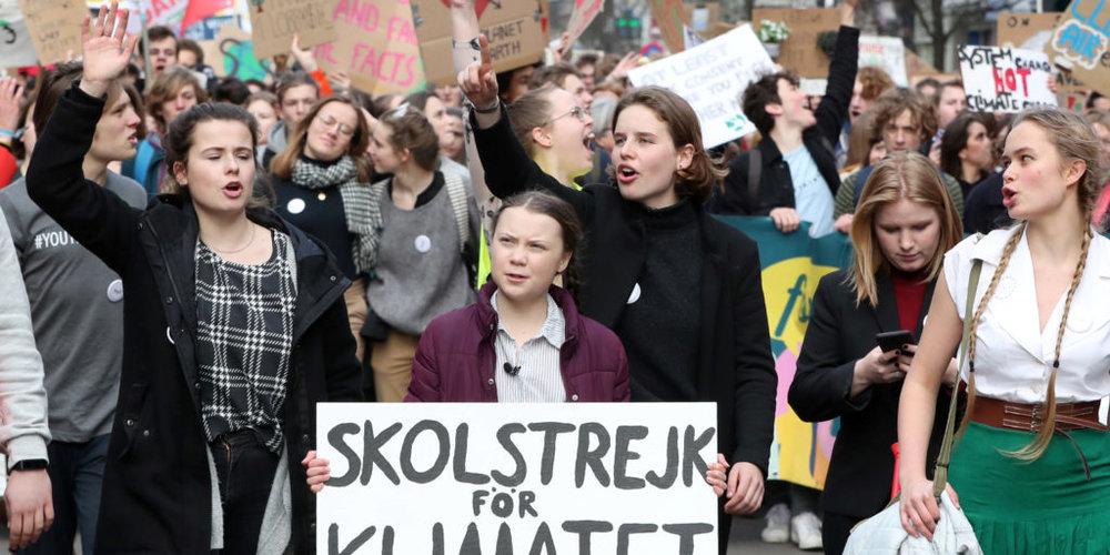 Les mouvements sociaux face à la crise de la représentation, par Sarah Roubato -