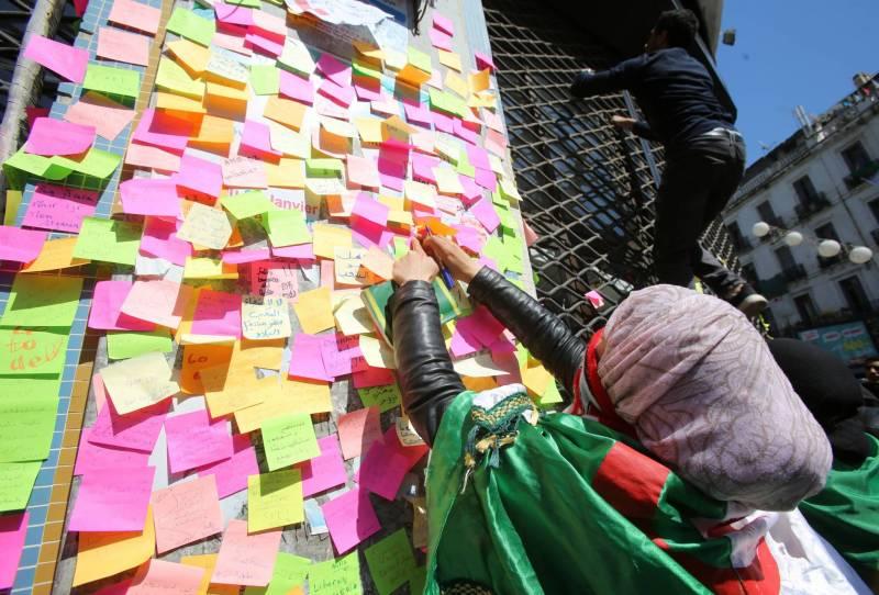 Algérie - La révolution des Post-it et la libération de la parole -