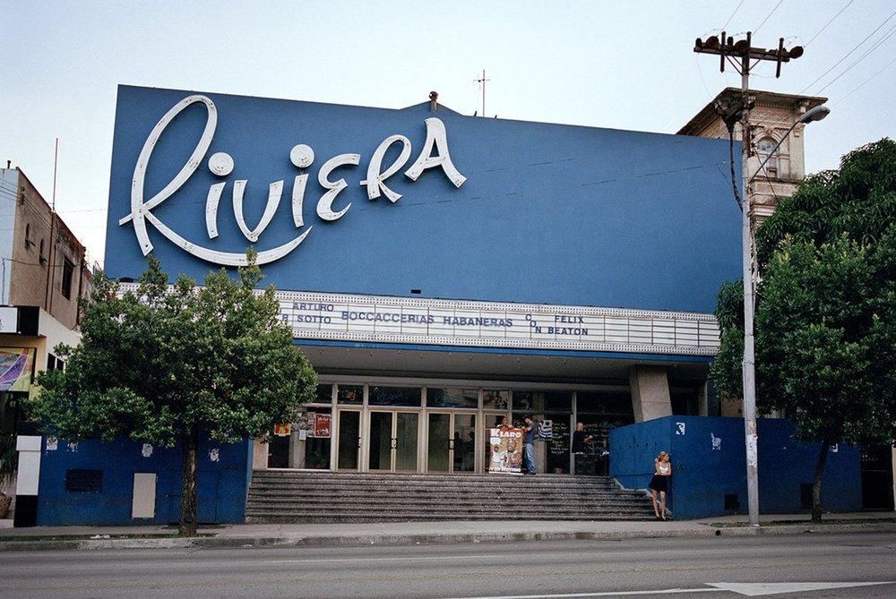 Photo - Carolina Sandretto a poursuivi le mirage 50's des cinémas de Cuba -