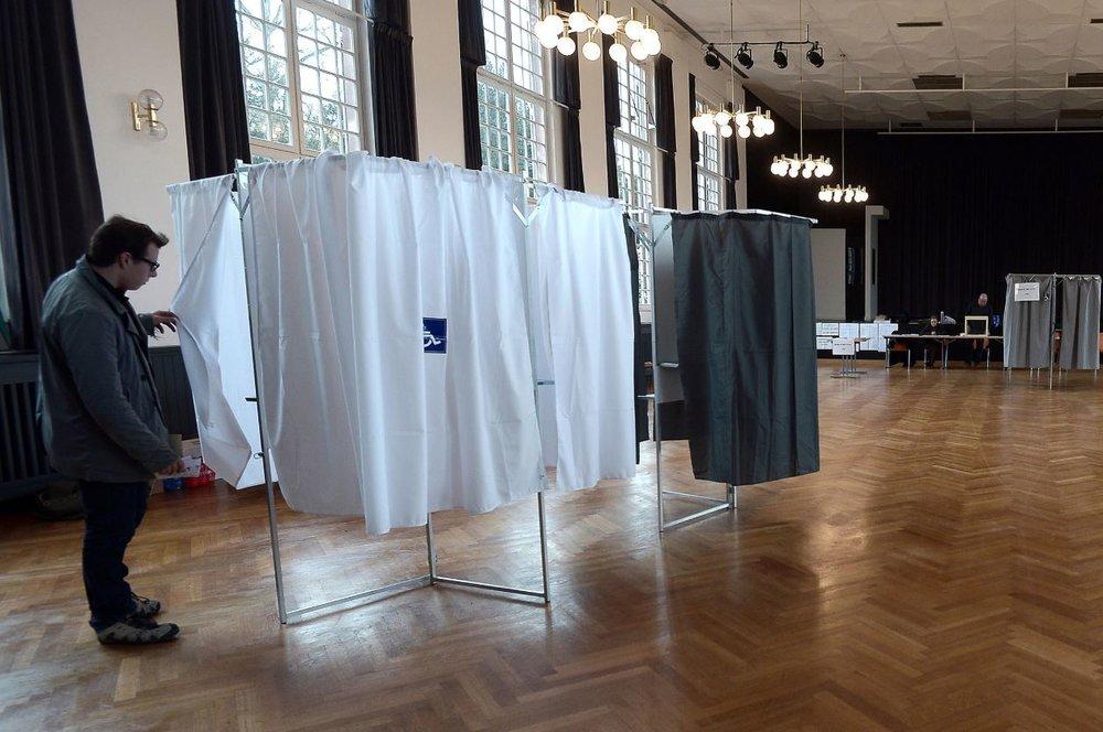 Blank Generation - L'abstention, horizon programmé de la démocratie représentative ? -