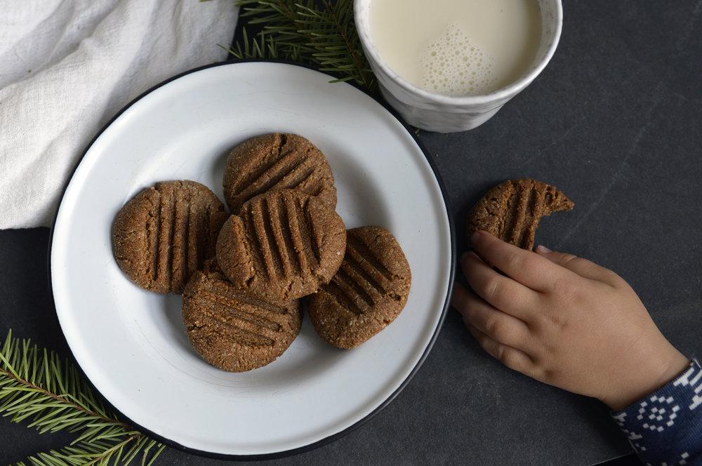 paleo-gingersnap-cookies.jpg