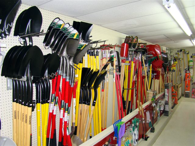 shovels-lawn-tools.png